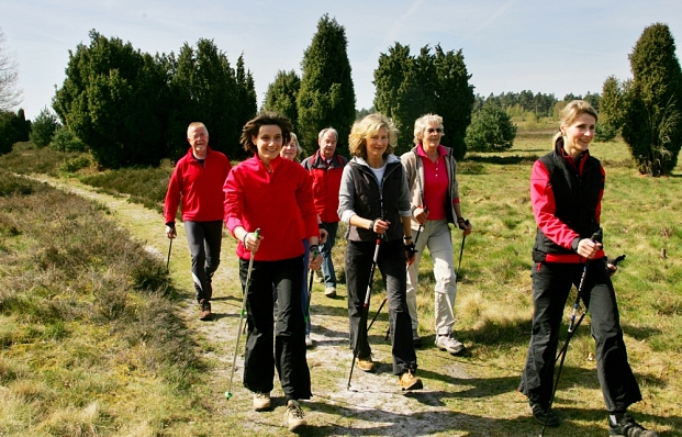 Nordic Walking in der Lüneburger Heide © Samtgemeinde Hanstedt